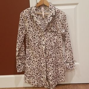 VS Victorias Secret Night Shirt XS NWT